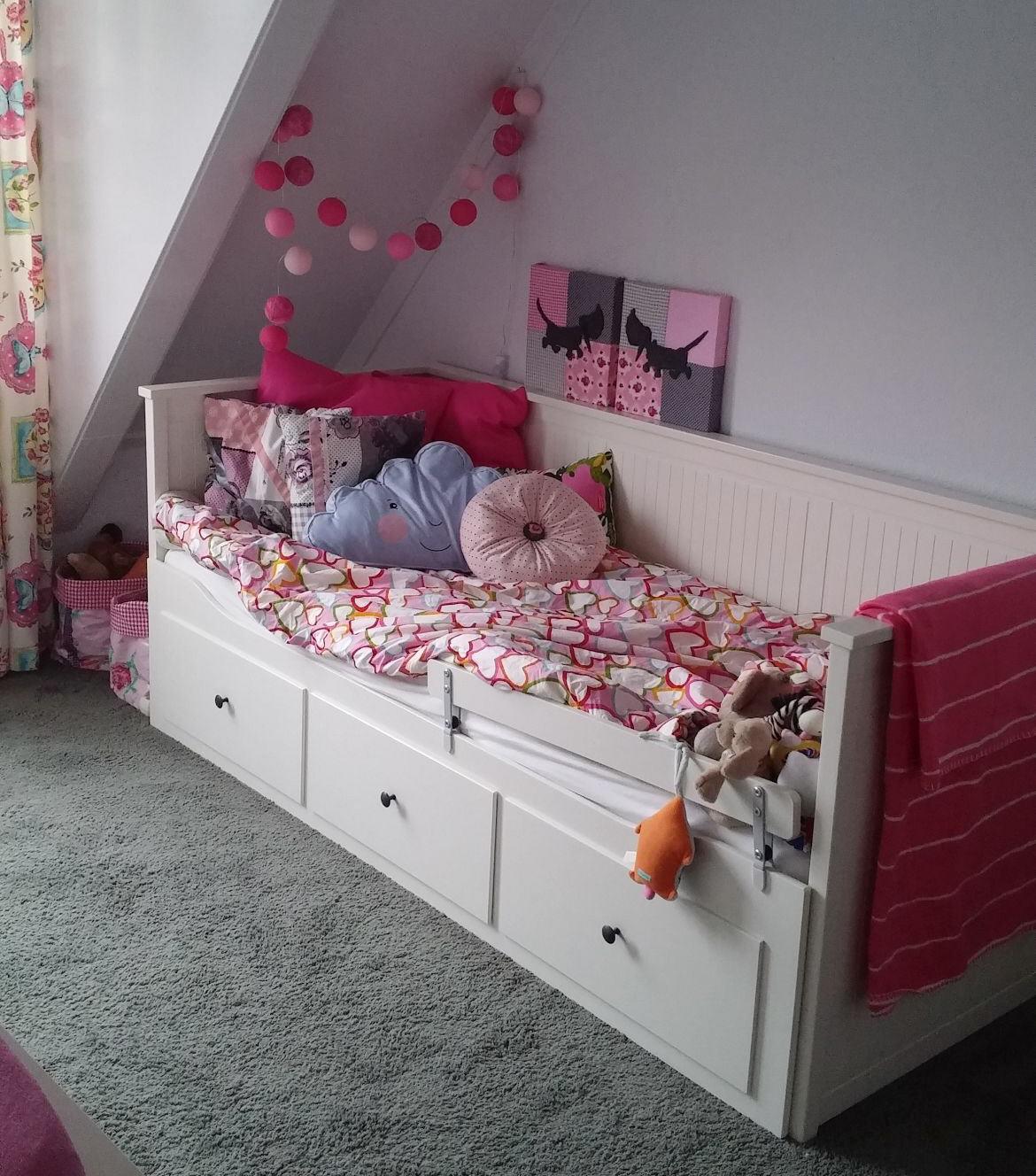 Peuterbed Of Groot Bed.Ikea Hemnes Kamer Mama Dilemma Peuter Naar Een Peuterbed Of Groot
