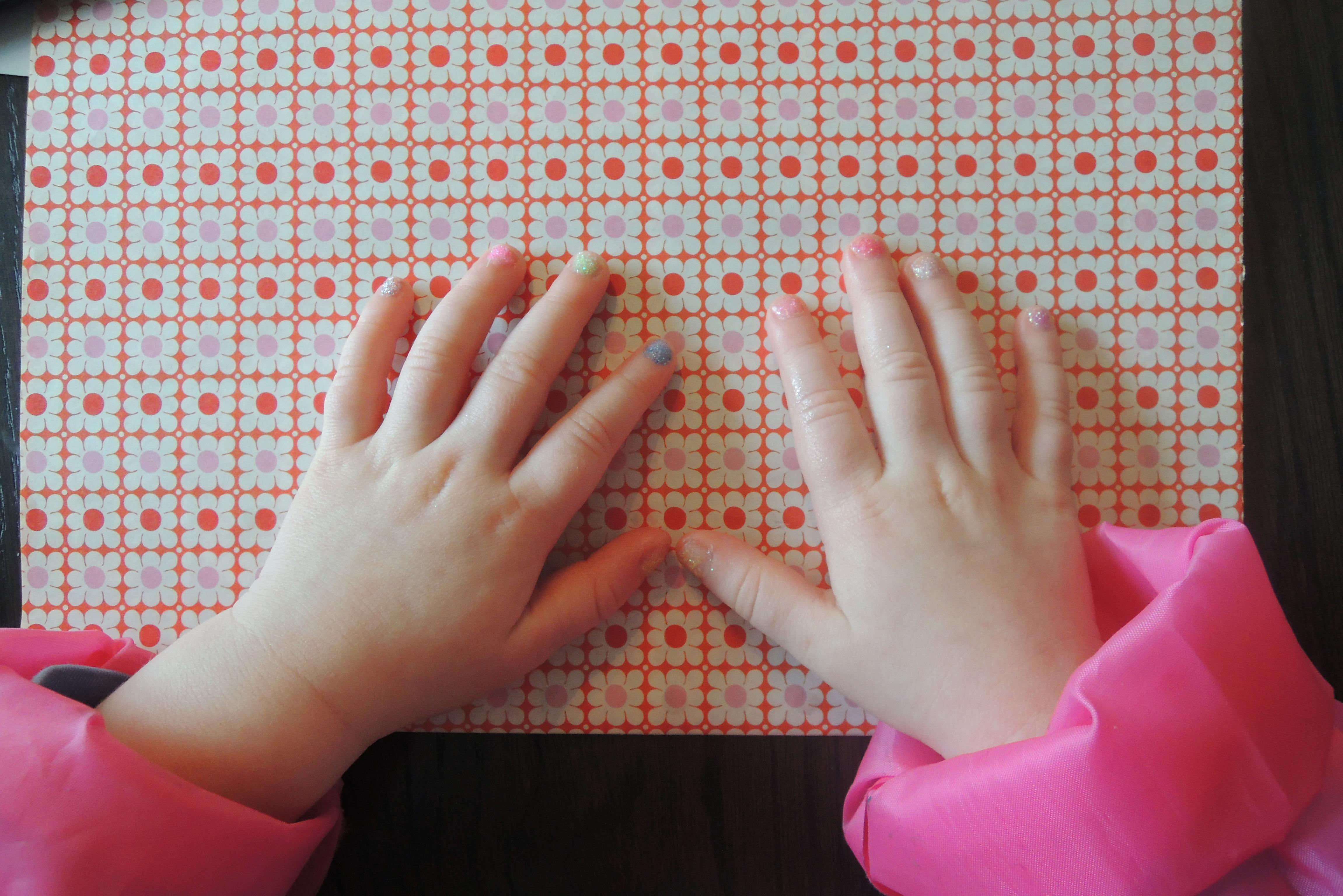Hoe neusdruppels leiden tot gelakte nagels