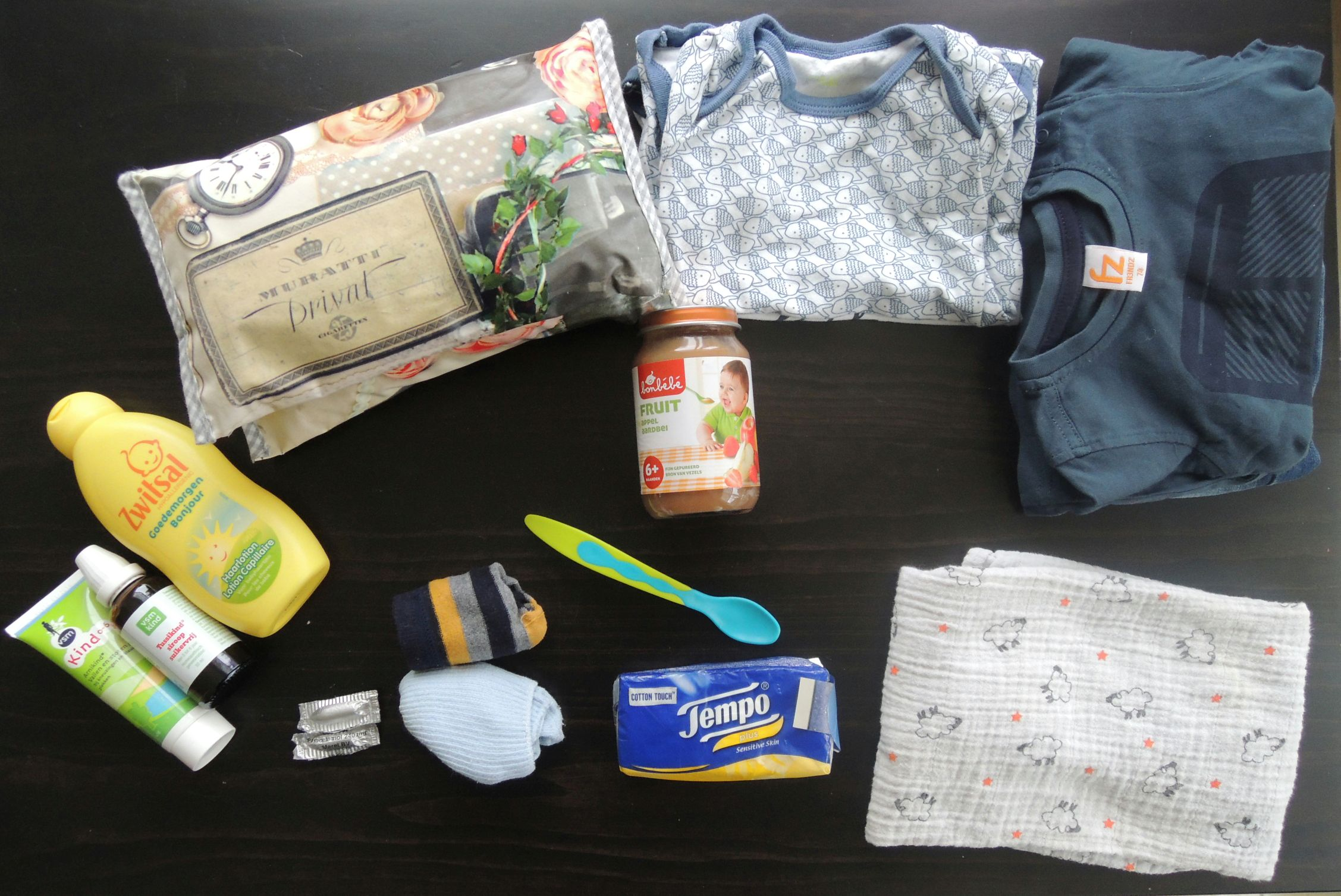 Whats in my diaperbag (2)